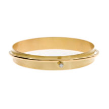 Gold bangle with diamond
