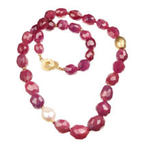 Ruby necklace with gold and pearl