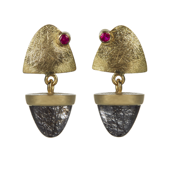 Gold earrings with quartz and ruby