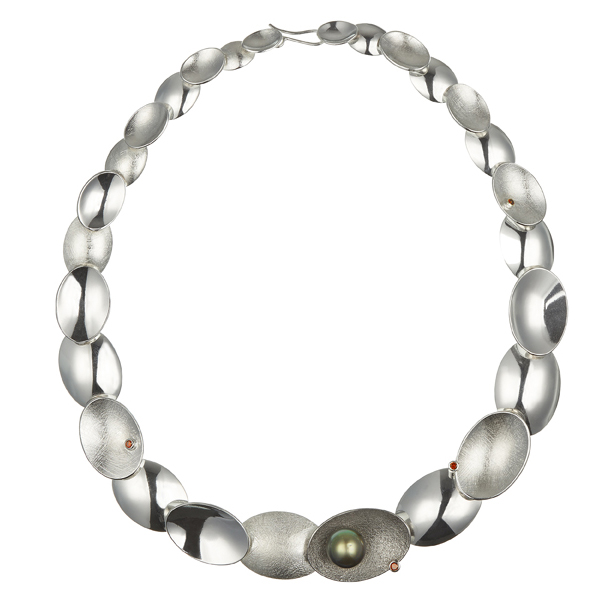 Silver necklace with palladium oval, pearl and diamonds