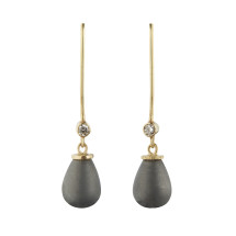 Gold earrings with hematite and diamond