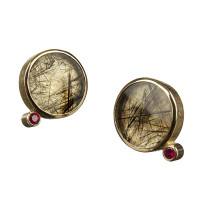 Gold ear studs with tourmalinated quartz and ruby
